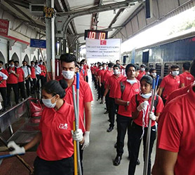 Cleanliness drive @ Faridabad station